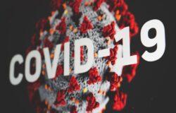 """Brytyjscy lekarze alarmują: zniesienie obostrzeń COVID-19 jest """"przedwczesne"""""""
