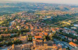 San Marino osiągnęło zbiorową odporność, ale mieszkańcy bez paszportu covidowego