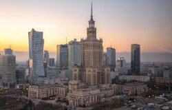Manifestacje w weekend w Warszawie. Zobacz zmiany w transporcie miejskim